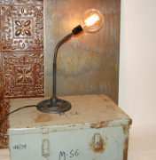Bordslampa vintage - Industri